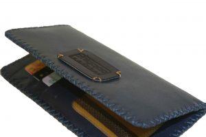 کیف پول دست دوز چرمی زنانه سرمه ای مدل P0-9602