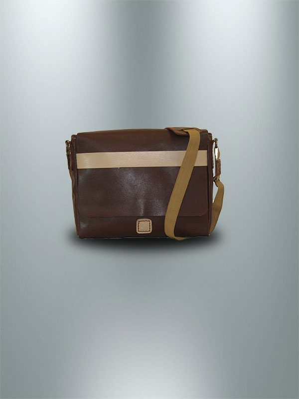 کیف دوشی دست دوز چرمی در دار